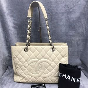 CHANEL GST CAVIAR SHW WITH HOLO & CARD VGC